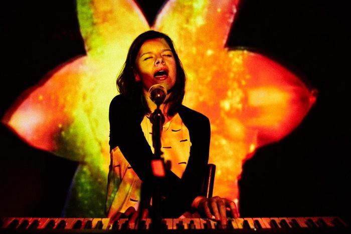 Ivana Mer Live at Presov, 700.jpg