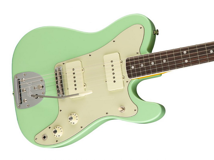 fender-jazz-tele-parallel-univers_close 700x.jpg