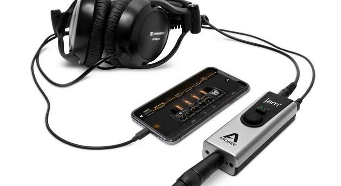 Apogee Jam Plus iPhone X and Headphones_700x.jpg