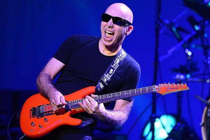 Joe-Satriani 700x.jpg