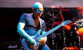 Újra megjelenik Satriani Surfing with the Alien albuma